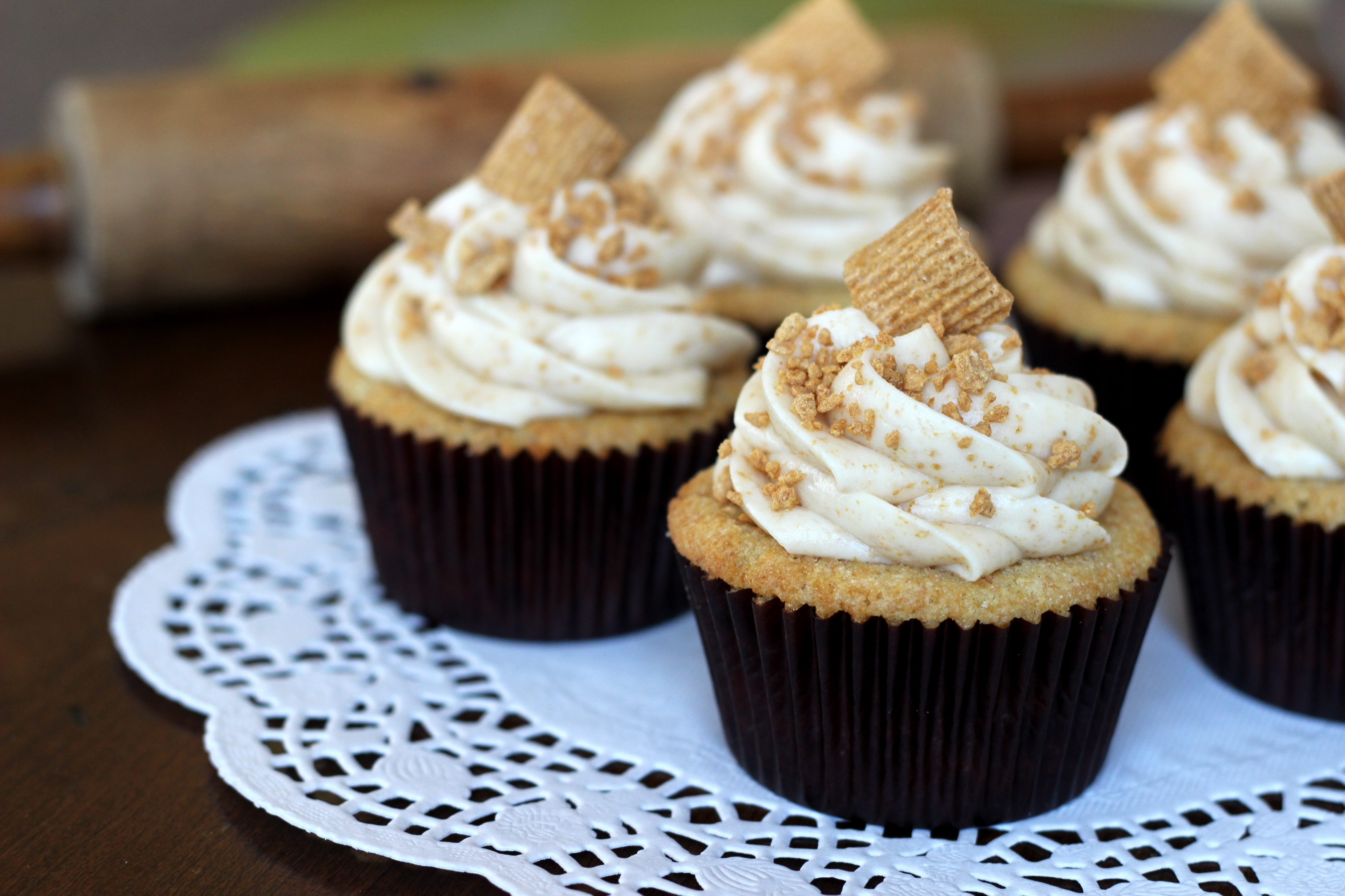 Golden Graham Cupcakes