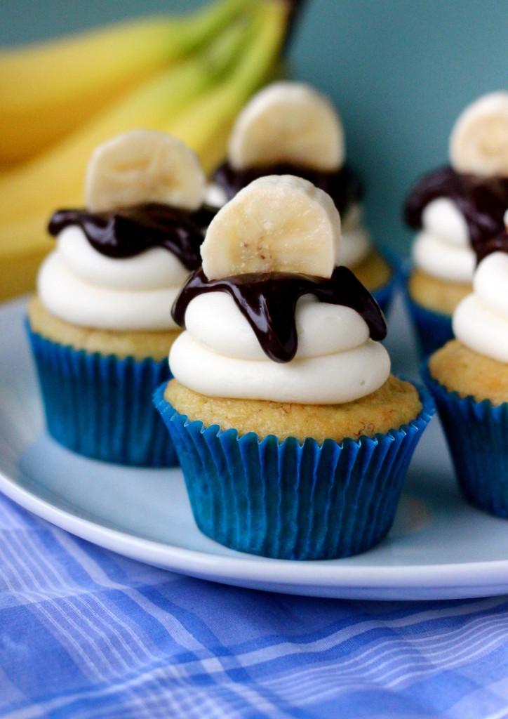 Banana Cake With Sour Cream Oil