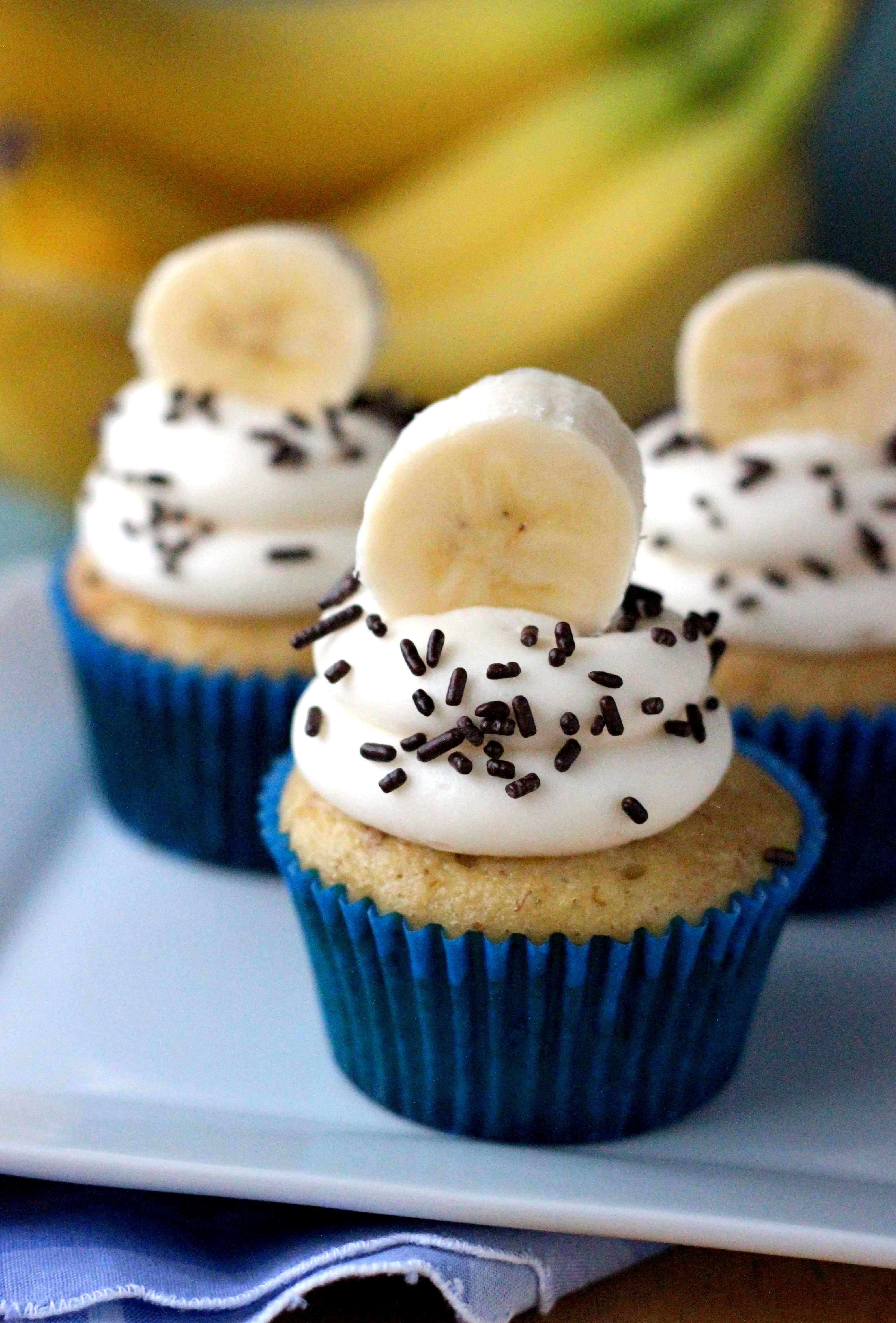 White Chocolate, Peanut Butter And Banana Cupcakes Recipes ...