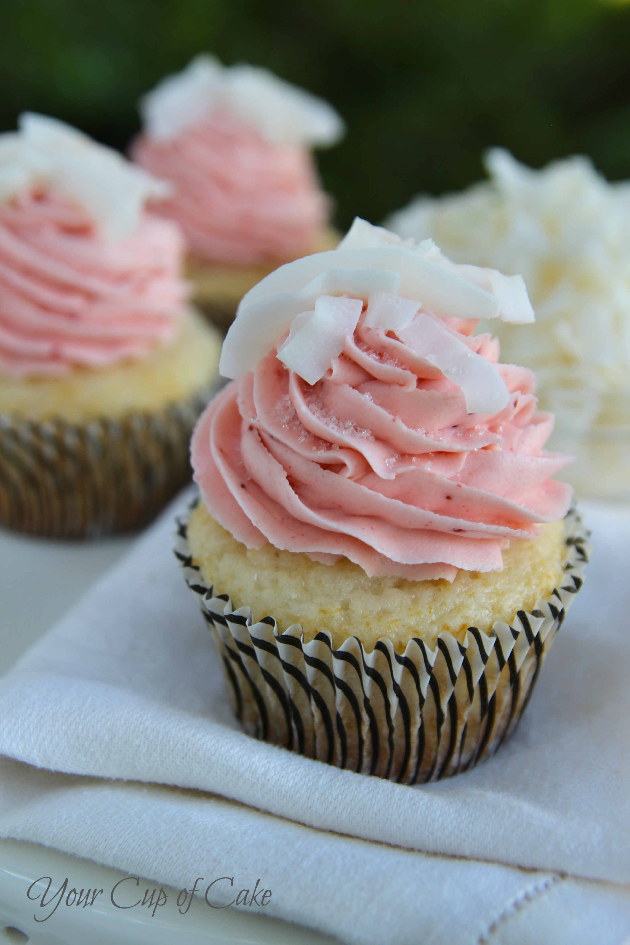 Pineapple Coconut Cupcakes With Cake Mix
