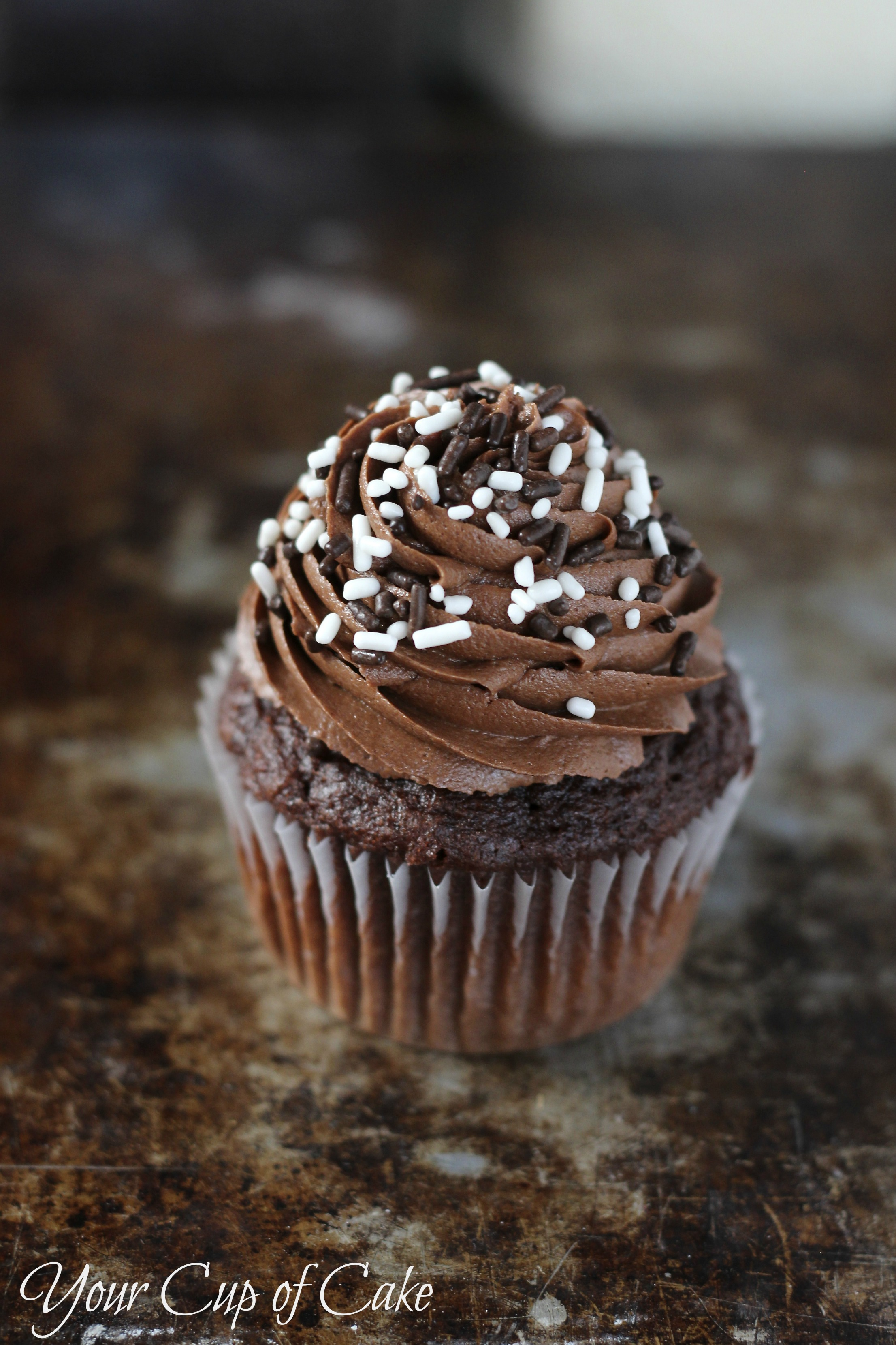 Cake With Cupcake Recipe : Easy Chocolate Cupcakes - Your Cup of Cake