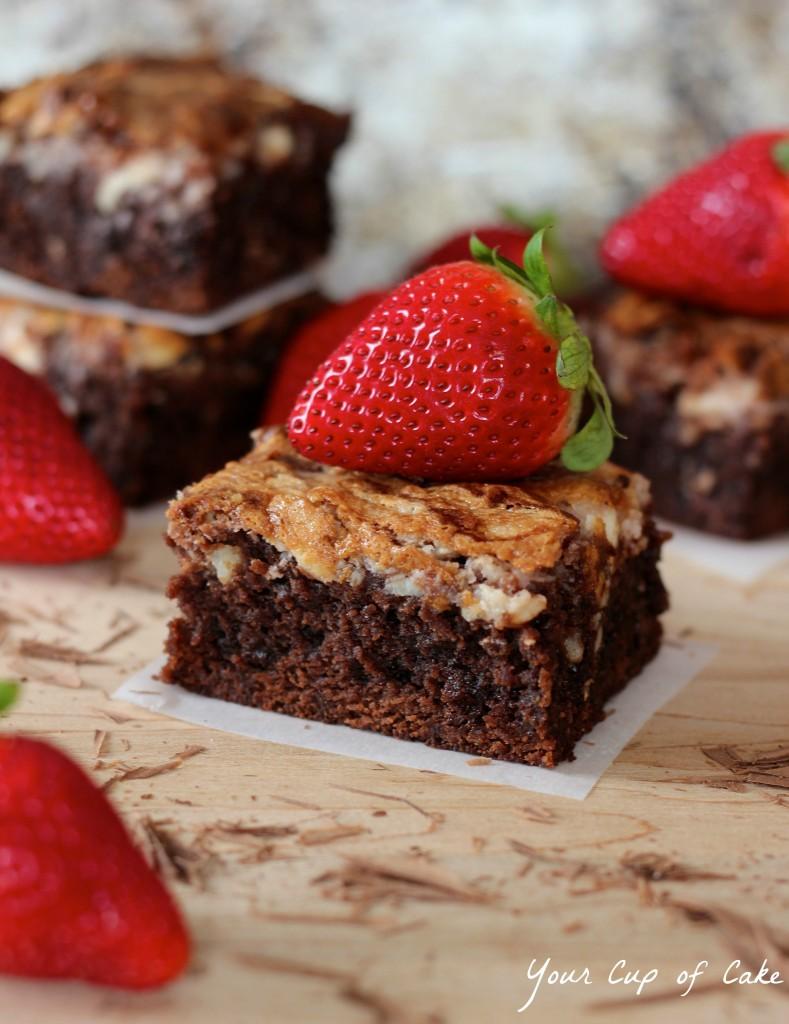 Strawberry Swirl Brownies