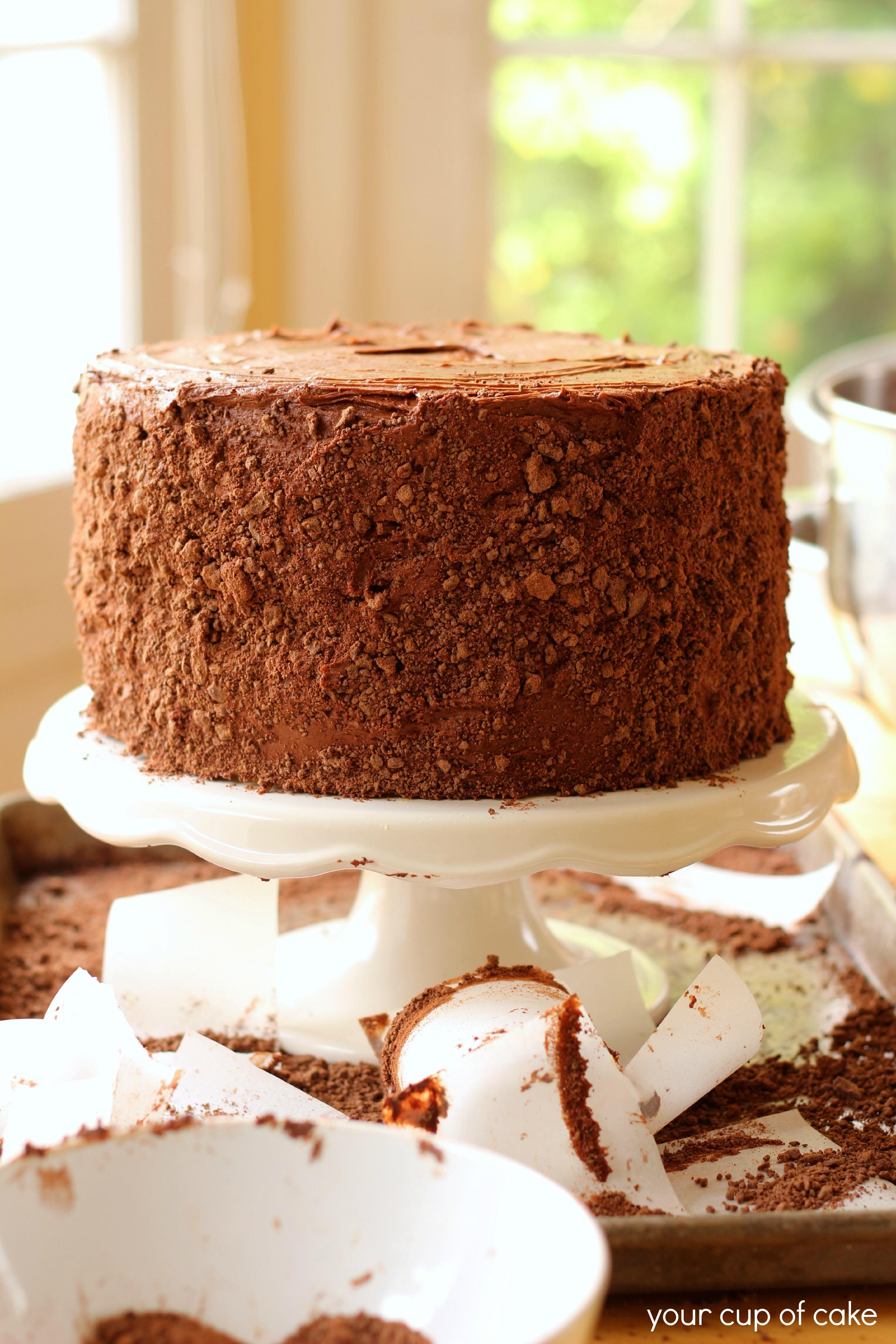 Banana chocolate hazelnut cake your cup of cake - Banana cake decoration ...