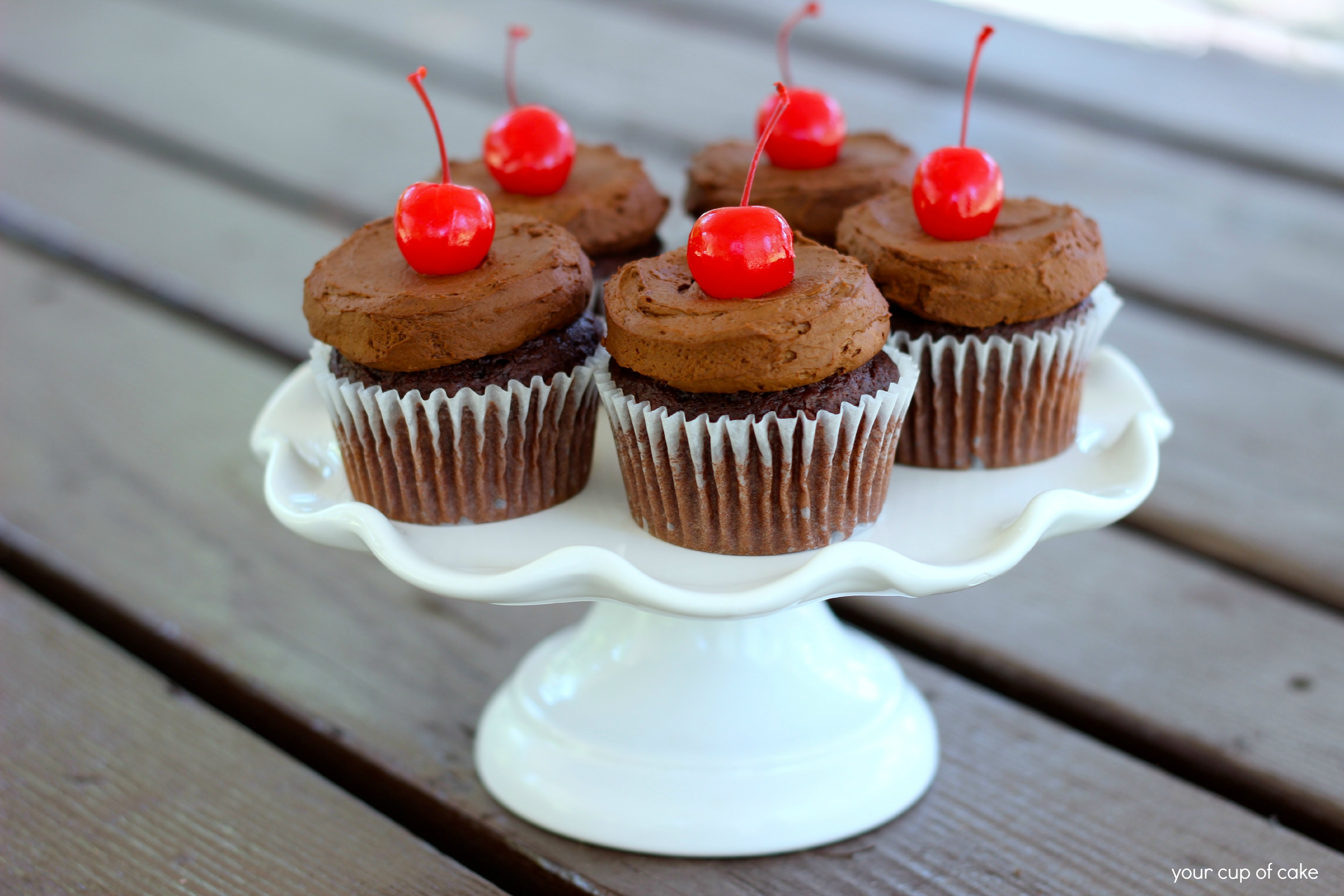 chocolate cake with pudding mix