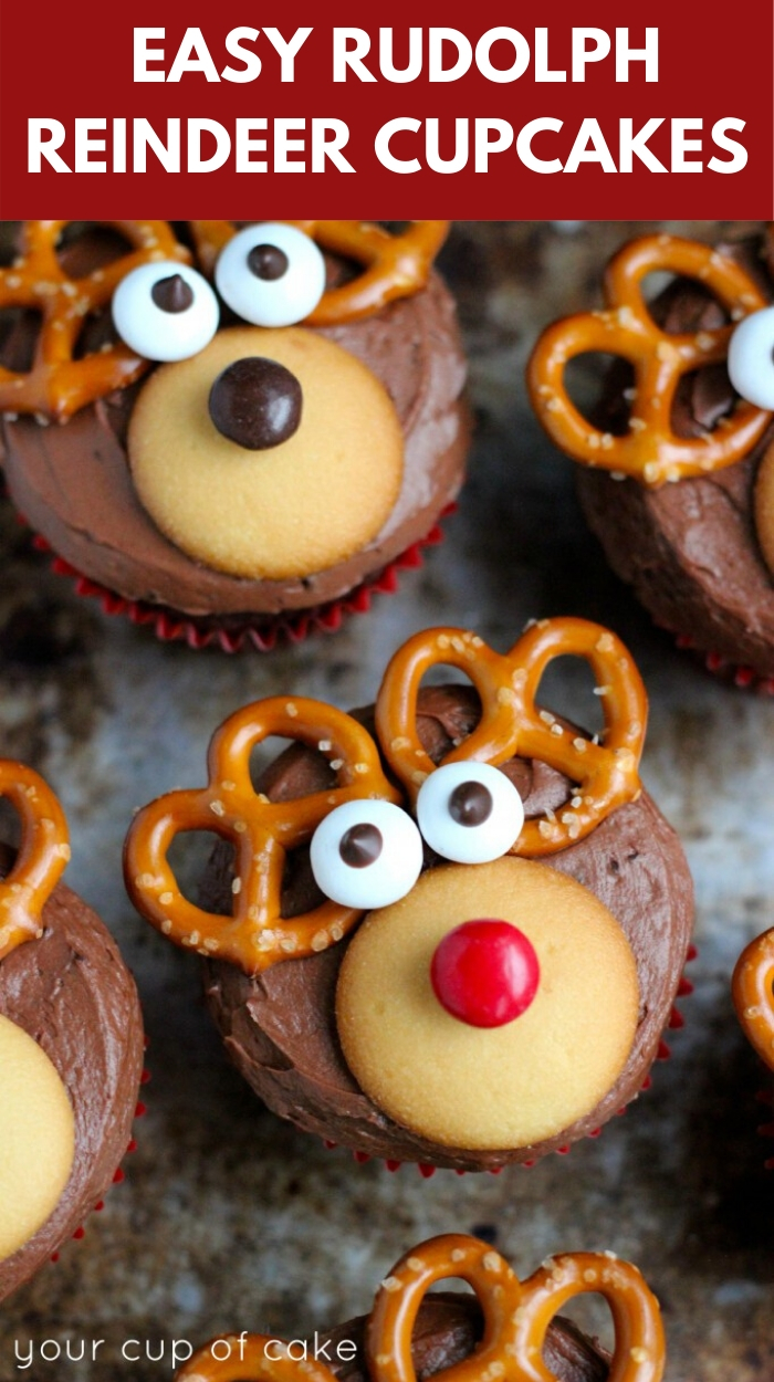 The BEST Christmas Cupcakes! Rudolph Reindeer Cupcakes are so easy to make!