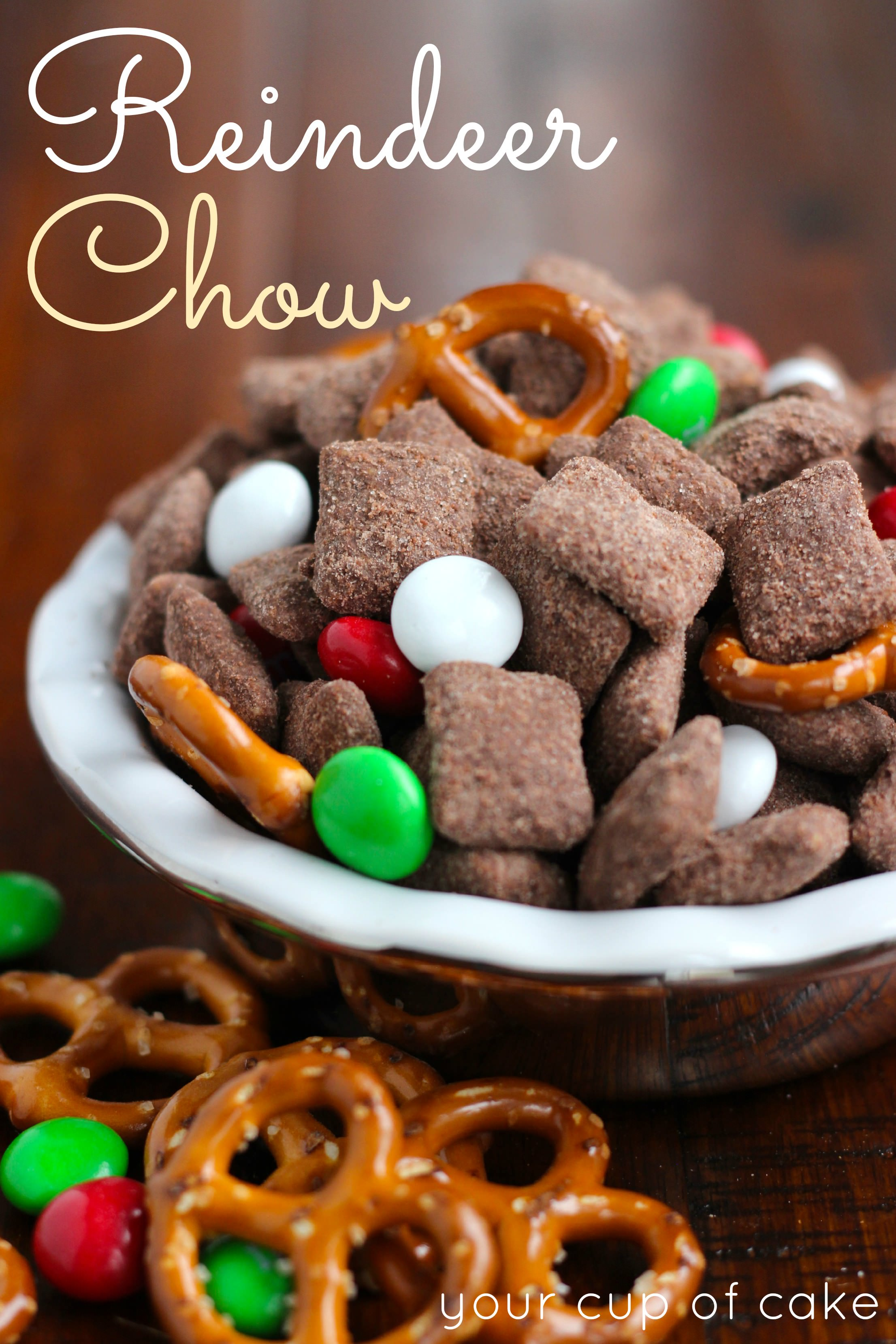 Christmas Puppy Chow.Reindeer Chow