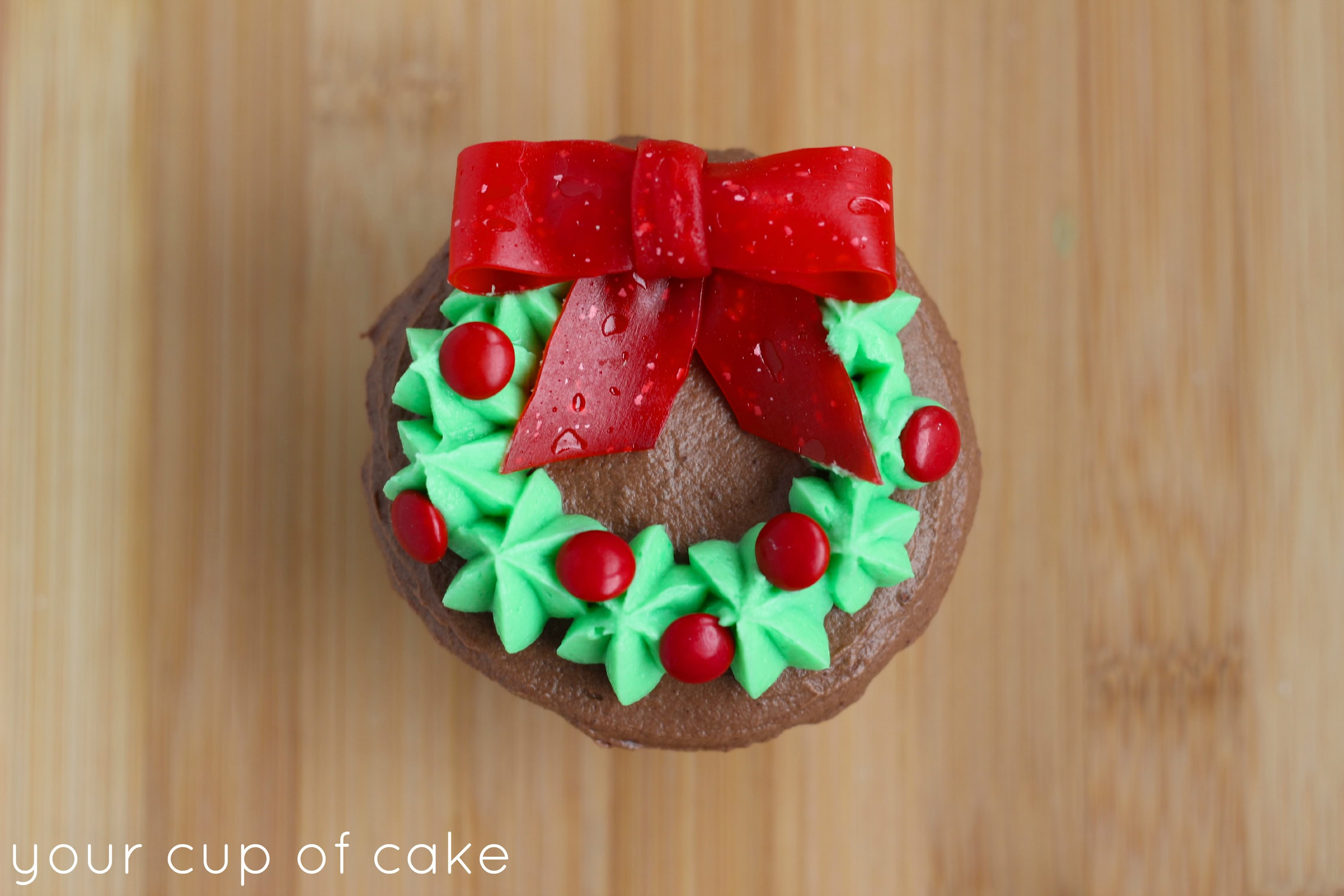 wreath cupcakes - Christmas Cupcake Decorations