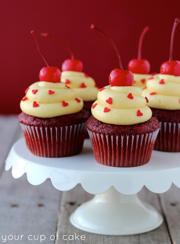 Red Velvet cupcakes topped with Cream Cheese Cake Batter frosting. And ...