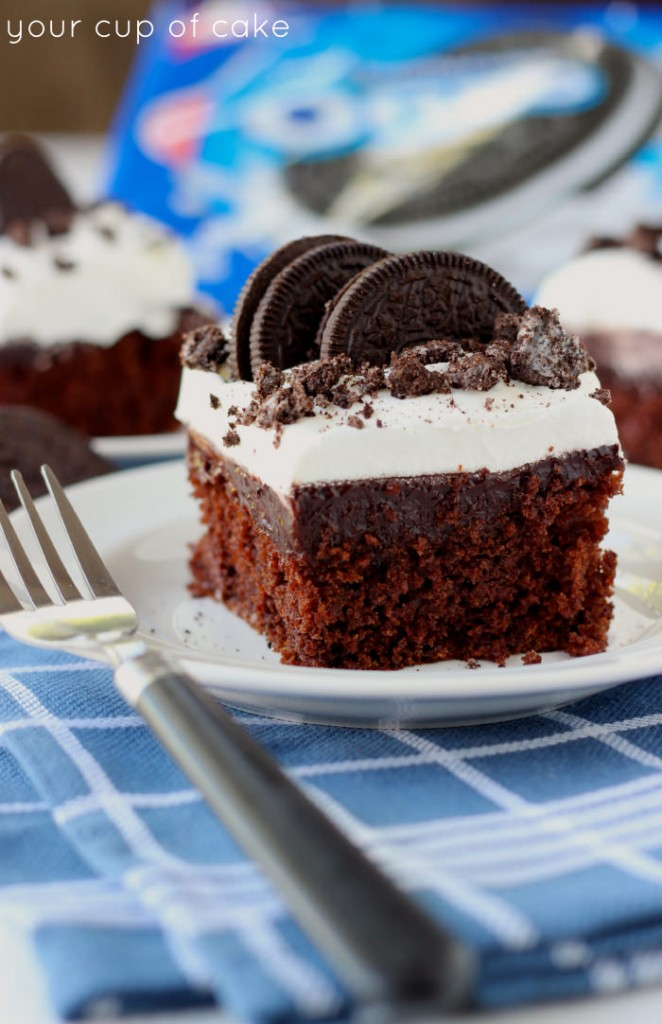 Here is all about my Forbidden Oreo Pudding Cake! I wanted to make a huge, yummy cake for my hubby's birthday and he loves Oreo (and so do I). I made this recipe while on a diet, it was my dessert for the week and I wanted to make it really naughty.
