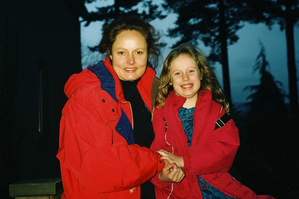Julie and Lizzy Early