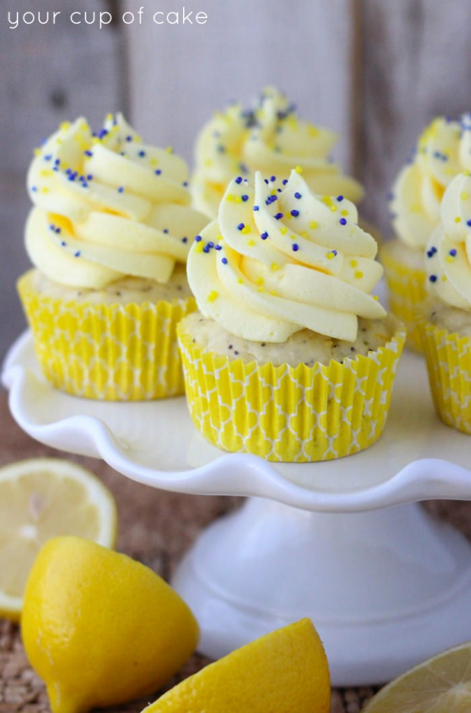 Lemon Poppy Seed Cupcakes with Lemon Quick Mousse