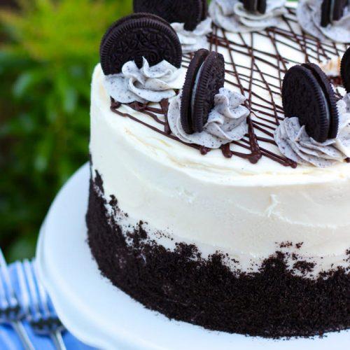 https://www.yourcupofcake.com/wp-content/uploads/2014/05/Oreo-Cake-500x500.jpg