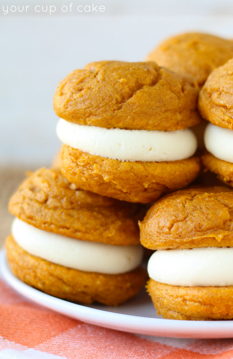 5 Ingredient Pumpkin Cheesecake Whoopie Pies
