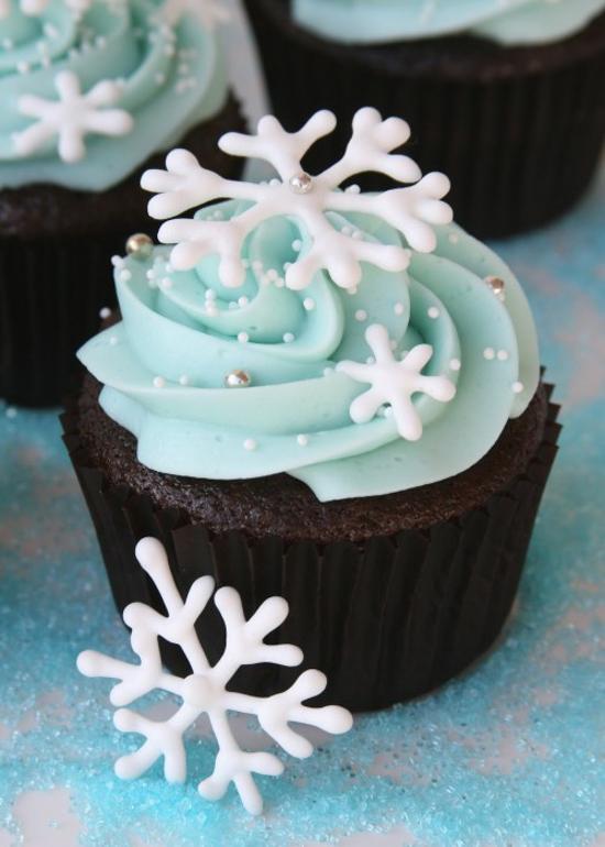 Snowflake Cupcakes | Glorious Treats