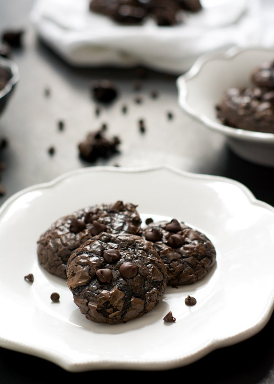 Flourless Peanut Butter Chocolate Cookies | The Housewife in Training Files
