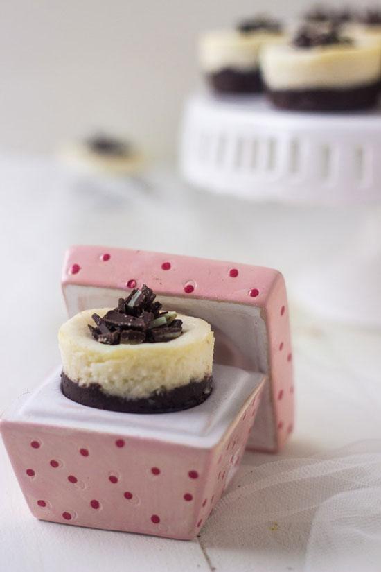 Mini White Chocolate Cheesecakes | Food Faith Fitness