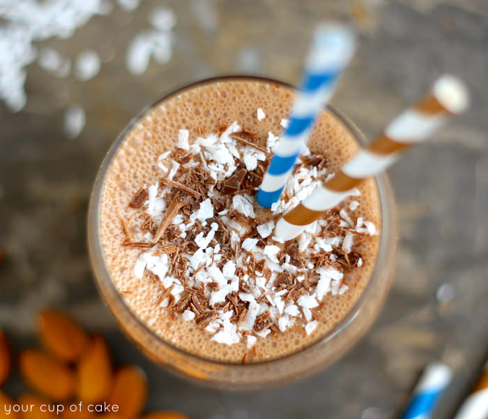 Healthy Almond Joy Smoothie