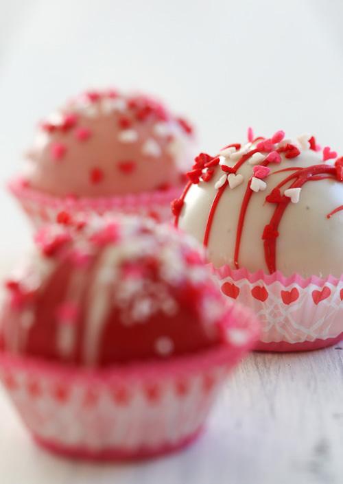 Red Velvet Cake Balls | Skinny Taste