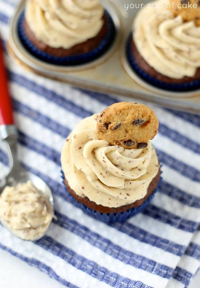 Chocolate Banana Cookie Dough Frosting, these are so easy and yummy!
