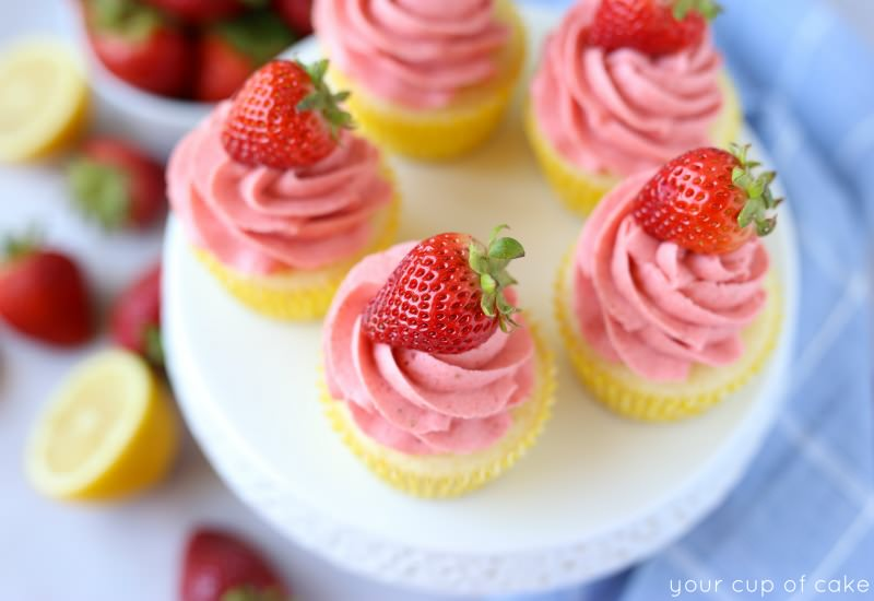 These gorgeous Strawberry Lemonade Cupcakes are perfect for summer