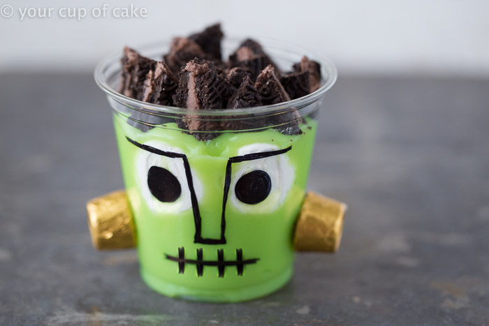 Frankenstein Pudding Cups using banana pudding, Oreos and Rolos!