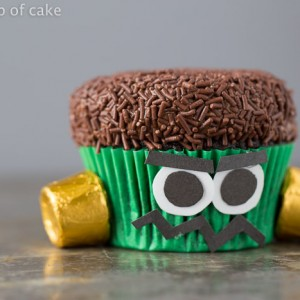How to make cute and easy Frankenstein Cupcakes, perfect for Halloween!