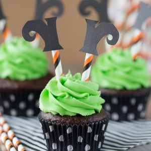 Wicked Witch Cupcakes! So fun for a Halloween party!
