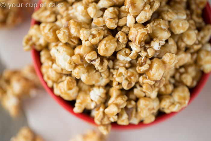 Easy Caramel Corn in the Microwave! It's the soft kind, my favorite! Easy Microwave Caramel Corn for Christmas