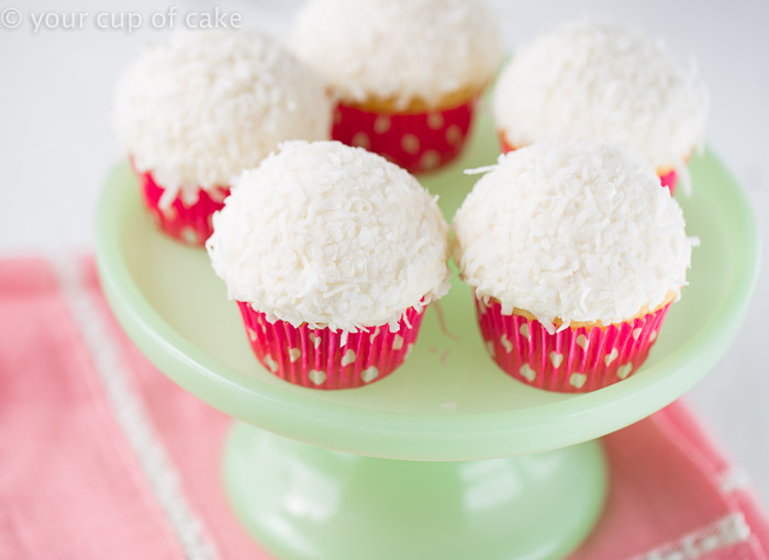 Bunny Tail Cupcakes!  So adorable and easy!