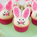 Easy Easter Cupcake Decorating (and Decor!)