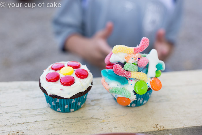 Decorating Cupcakes with Kids, so fun and easy!