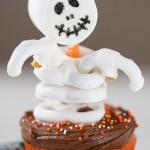 Easy Skeleton Cupcakes