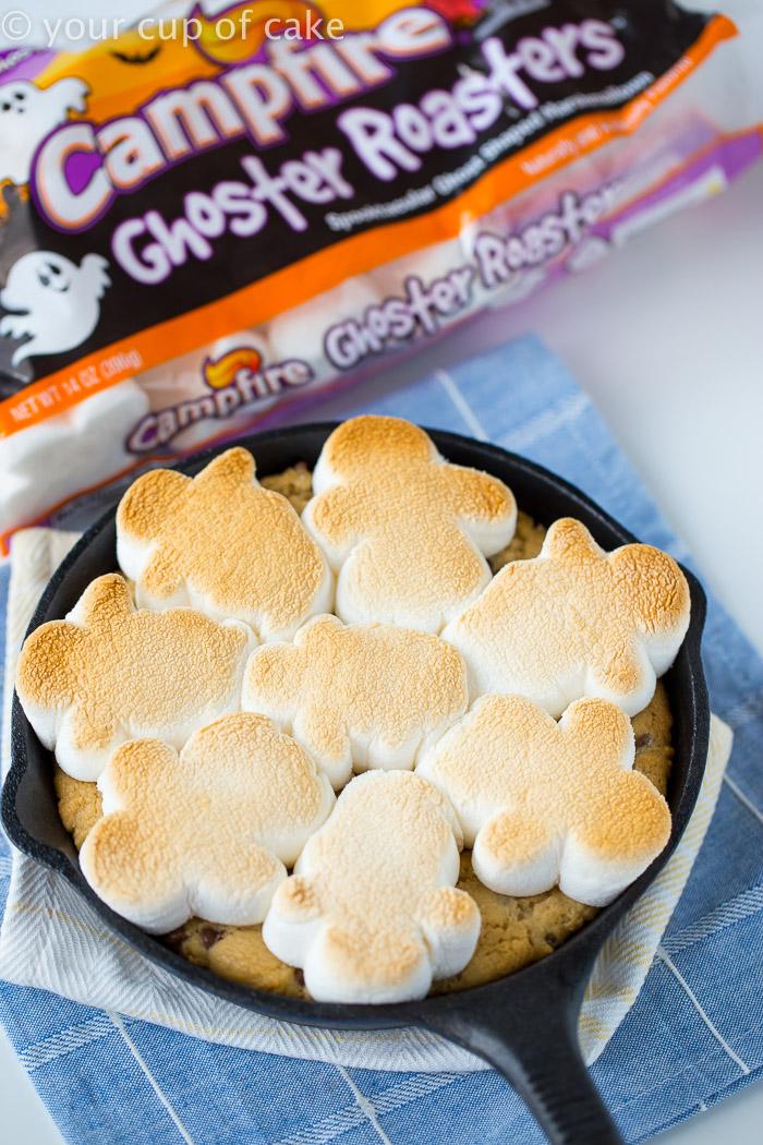 toasty-ghosty-cookie-marshmallow-skillet