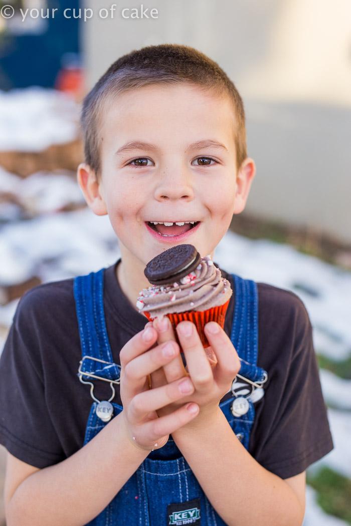 candy-cane-oreo-cupcakes-6