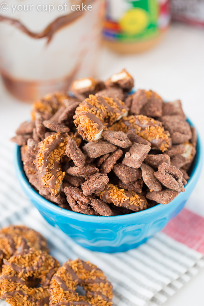 (Better than a) Make Out Muddy Buddies!  Perfect for valentines treats or any night at all! This recipe is SO easy and it's the BEST Muddy Buddy recipe ever!