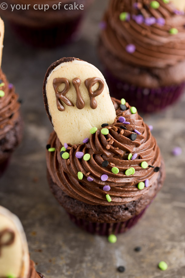 Graveyard Cupcakes made with grocery store cookies