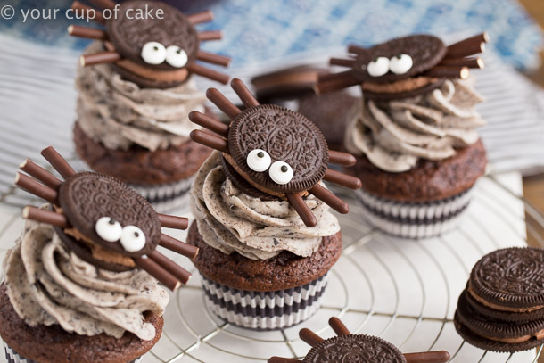 Oreo Spider Cupcakes for Halloween parties and kids