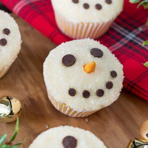 Easy Snowman Cupcakes for Christmas