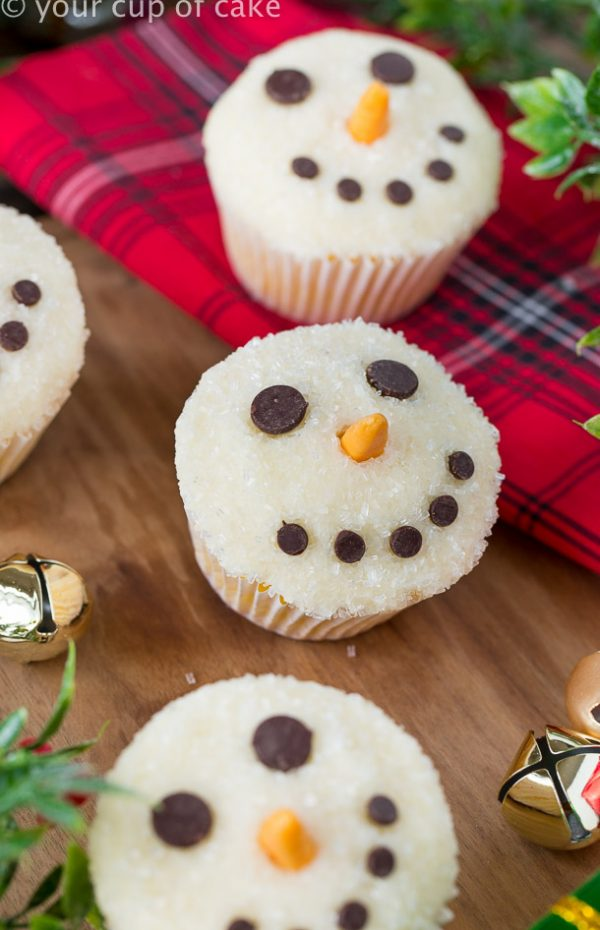 Easy Snowman Cupcakes for Christmas