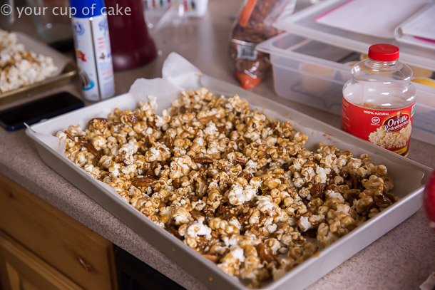 How to make Turtle Caramel Corn with pecans and drizzled with milk chocolate!