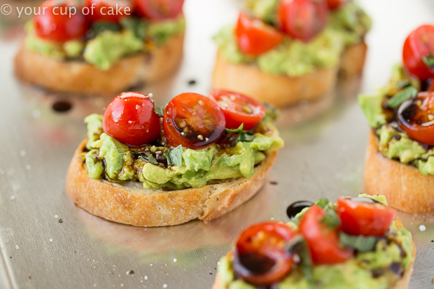 This Guacamole Bruschetta is so easy to make and delicious!
