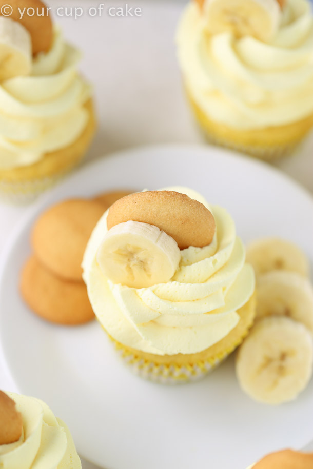 Easy Banana Cream Cupcakes