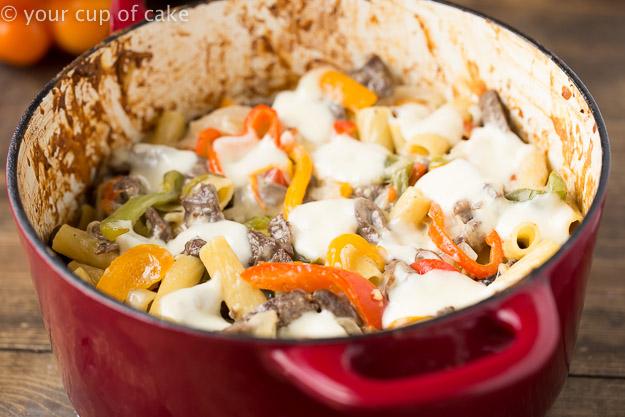 Philly Cheesesteak Rigatoni Pasta, easy dInner recipe!