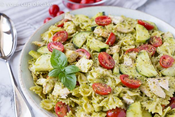 How to Make a 5 Ingredient Summer Pesto Pasta