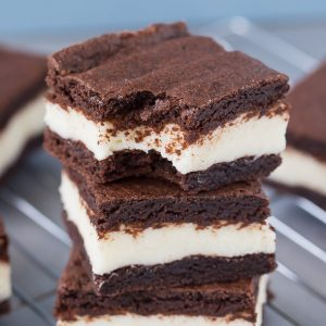 The Best Cake Mix Dessert, Cake Mix Oreo Bars