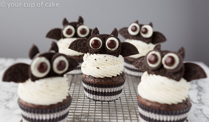 Oreo Bat Cupcakes for Halloween the kids will love!