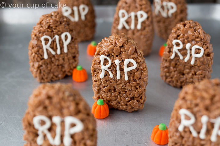 SO cute and easy to make for Halloween! Tombstone Rice Krispie Treats