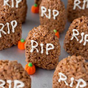 The Easiest Halloween Treat EVER! Tombstone Rice Krispie Treats