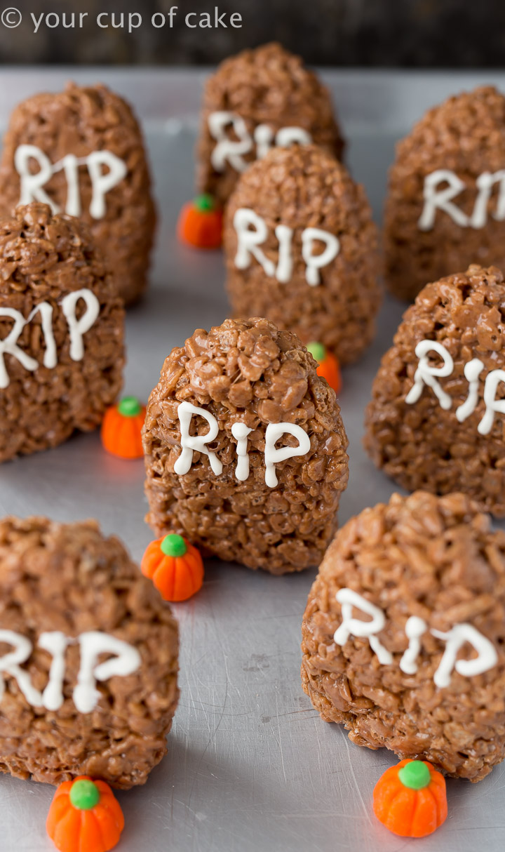 The Easiest Halloween Treat EVER! Tombstone Rice Krispie Treats