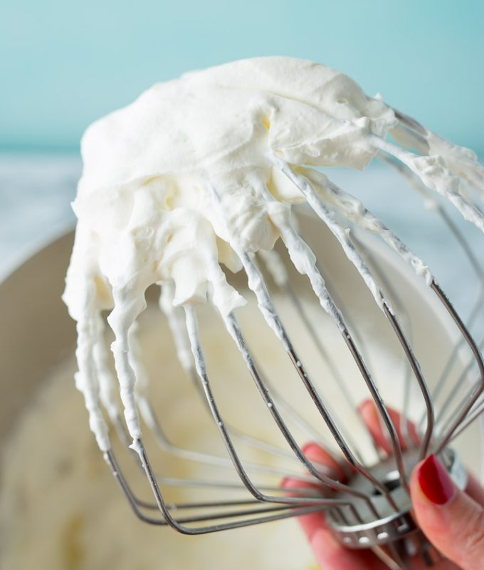 How to keep whipped cream from melting: Stabilize your whipped cream!